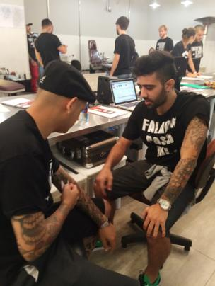 Kzuka no Lettering Day do Edu Tattoo