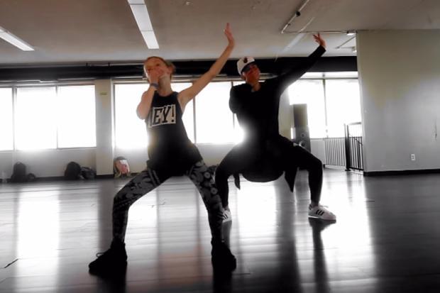 Menina de 11 anos faz sucesso nas redes sociais dançando Anaconda, de Nicki Minaj Reprodução/YouTube