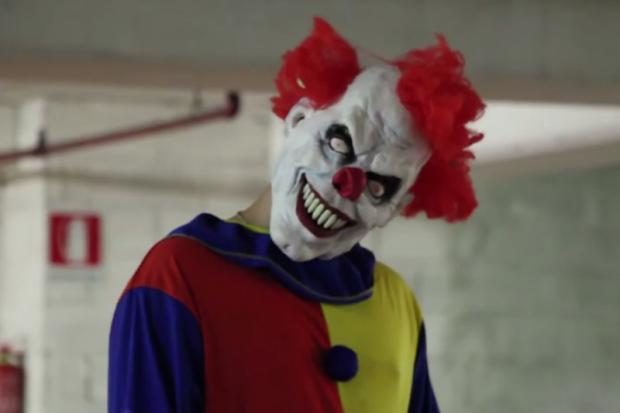 Lista: pegadinhas assustadoras para se inspirar nesse Halloween Reprodução/YouTube