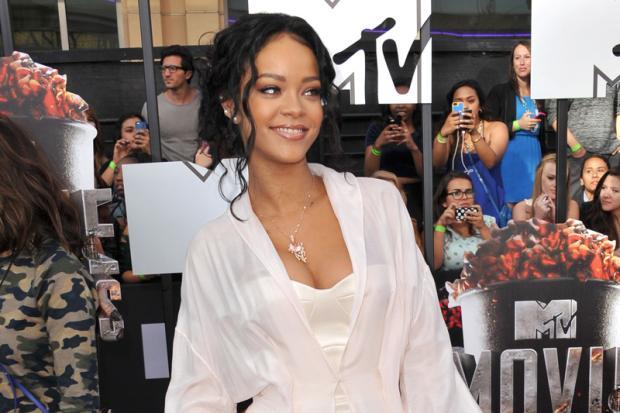 """Após dois anos de último álbum, Rihanna fala de novo disco: """"Muito em breve"""" Shutterstock/"""