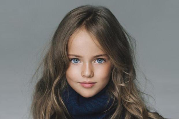 """Garota de 8 anos é considerada a """"menina mais bonita do mundo"""" Reprodução/Facebook"""
