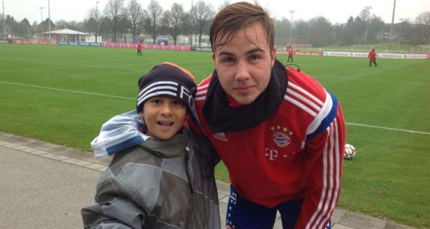 Sonho realizado: menino Getúlio reencontra goleiro Neuer e o Bayern de Munique Reprodução/Facebook
